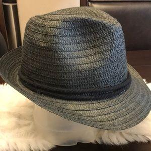 Accessories - Stylish Black Hat!